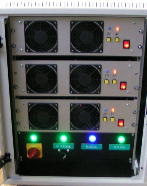 Ultrazvukový generátor rack